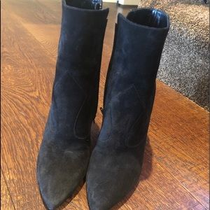 Never worn saint Laurent ankle suede boots